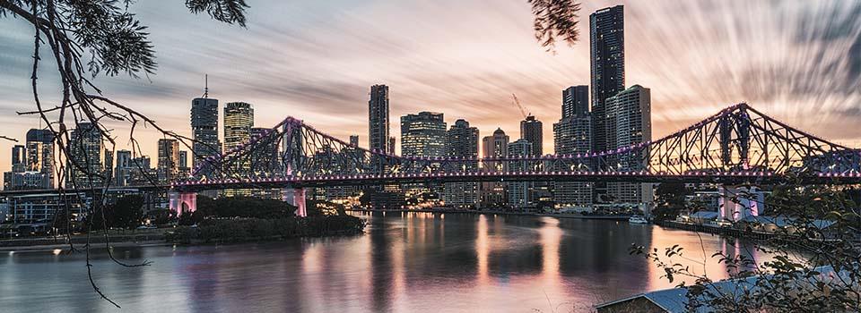 Brisbane Story Bridge beleuchtet bei Nacht
